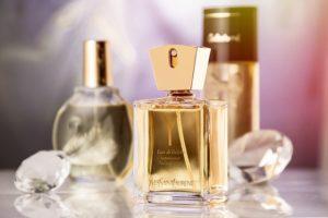 香り:ベリー系・フローラル系・ムスク系を使い分けて